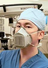 Custom COVID-19 mask for health workers brings UCalgary alumni together